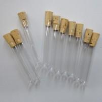 Reagenzgläser mit Korken sind eine tolle Bastelidee. Diese mini Reagenzgläser werden auch Phiolen genannt und sind vielseitig zu verwenden.