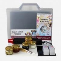 Das tolle Encaustic Schellack Geschenkset mit Heat-Tool, Schellack, Klarwachs, Malkarten und Klappkarten Sets in B6 zum Herstellen eigener Kunstpostkarten in Encaustic Schellack Technik.